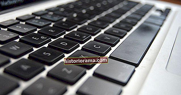 Як почистити клавіатуру ноутбука