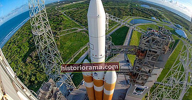 ULA очищає свій шпигунський запуск супутника на ракеті Delta IV за лічені секунди